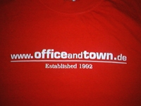 T-Shirt der Band Office & Town