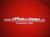 T-Shirt der Band Office & Town