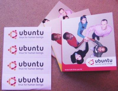 Ubuntu-CDs und -Aufkleber